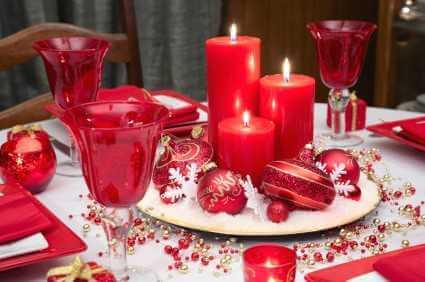 Novogodišnja dekoracija stola, crveno - domaći recepti