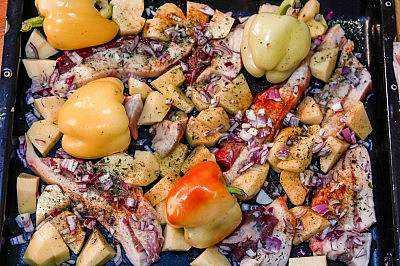 Pečena sveža slanina sa krompirom
