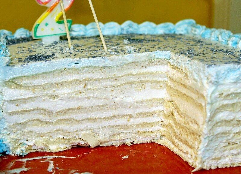 bela rozen torta