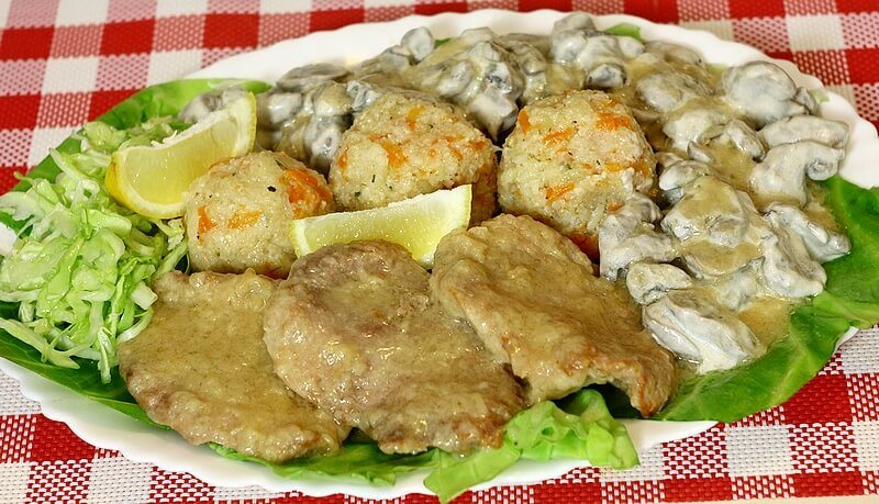rucak-rizoto,snicle,sampinjoni,salata