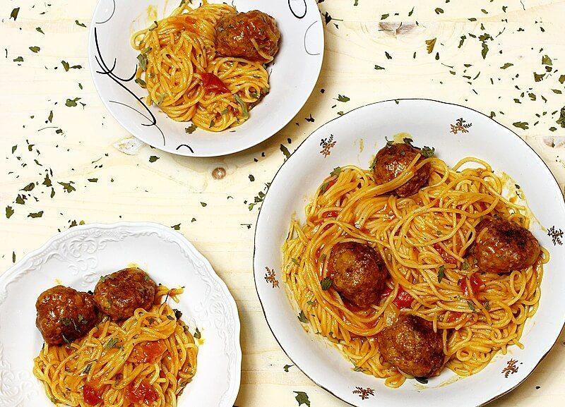 mesne kuglice sa spagetama