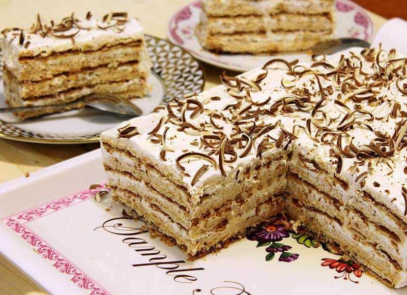torta sa turskim keksom i lesnikom