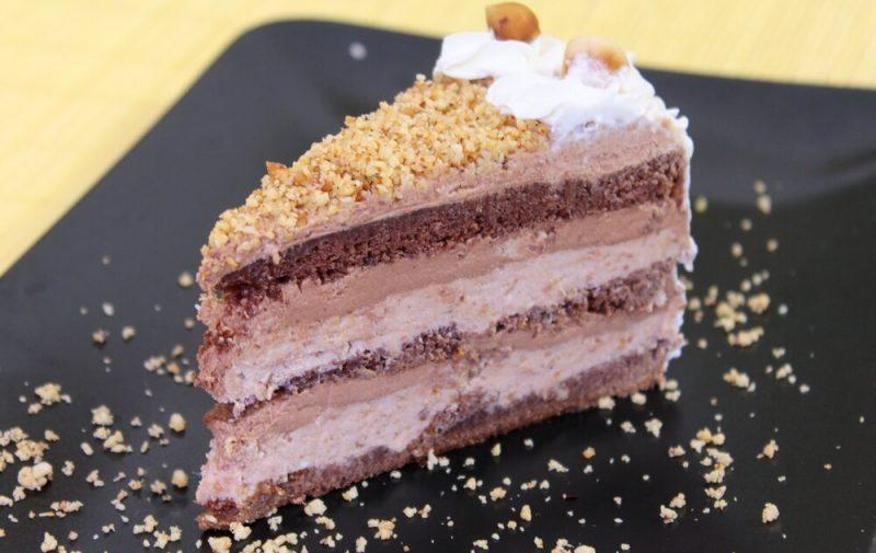 torta-sa-cokoladom-i-lesnicima