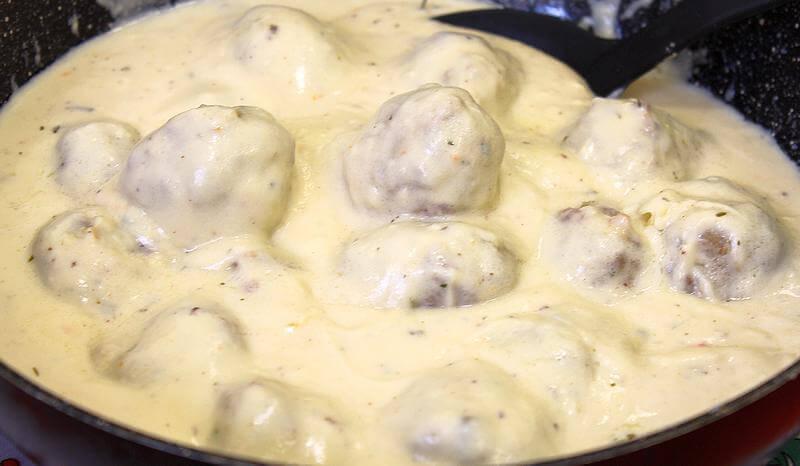 cufte u mlecnom sosu