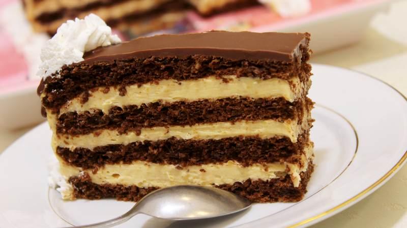 torta sa lesnikom i karamelom