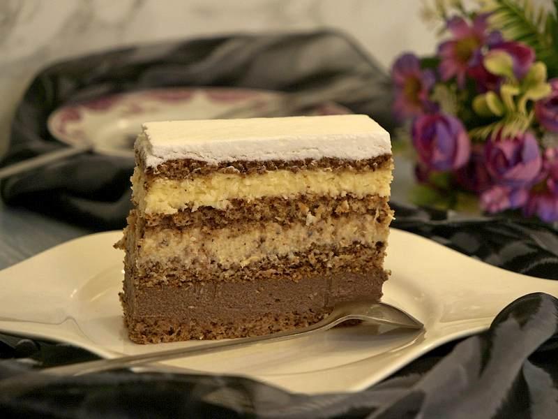 torta sa orasima cokoladom i kokosom