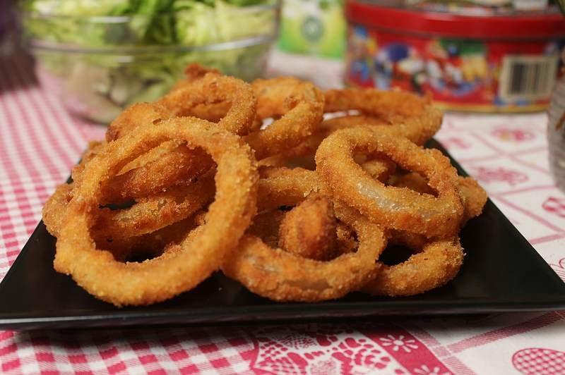 pohovani kolutovi luka, onion rings