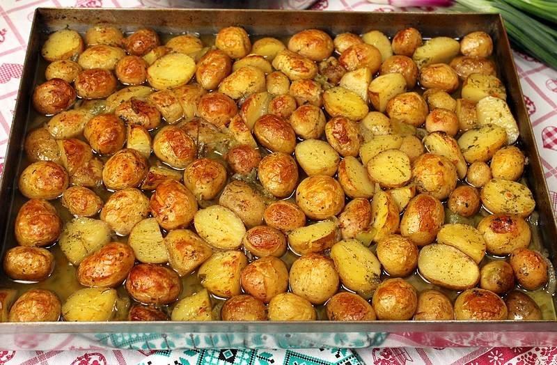 mladi krompir iz rerne