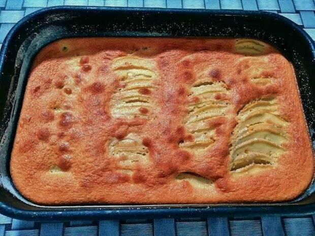 brzi kolac sa jabukama