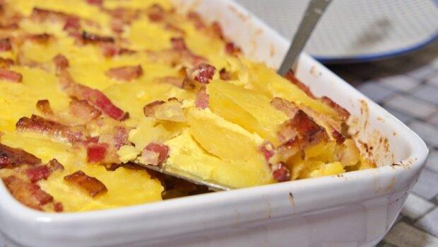 krompir sa lukom i slaninom